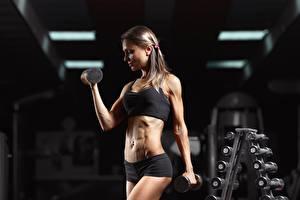 Bilder Fitness Fitnessstudio Körperliche Aktivität Hanteln Hand Mädchens