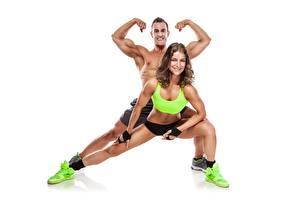 Bilder Fitness Mann Pose Weißer hintergrund Sport Mädchens