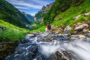 Bureaubladachtergronden Frankrijk Bergen Steen Alpen Beekje Vallei Haute-Savoie, Sixt-Fer-a-Cheval