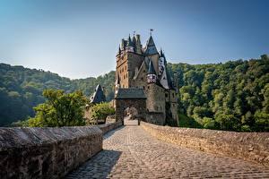Fotos Deutschland Berg Burg Wälder Brücken Türme Eltz Castle, Wierschem Natur