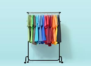 Image Many T-shirt Multicolor rack