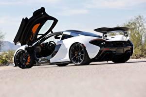 Bilder McLaren Weiß Metallisch Coupe Offene Tür P1, hybrid
