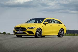 Fotos Mercedes-Benz Gelb Metallisch Kombi CLA, 4Matic