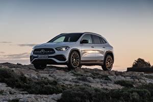 Desktop hintergrundbilder Mercedes-Benz Steine Weiß Metallisch Softroader GLA 250, 4MATIC, 2020 auto