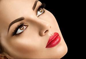 Hintergrundbilder Model Schön Gesicht Make Up Rote Lippen Blick Schwarzer Hintergrund Mädchens