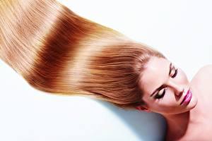 Bakgrunnsbilder Modell Håret Sminke Hvit bakgrunn Unge_kvinner