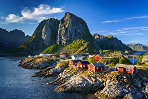 Hintergrundbilder Norwegen Berg Lofoten Gebäude Felsen