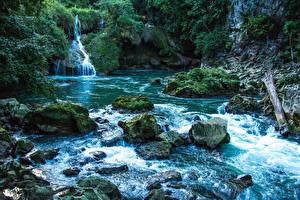 Hintergrundbilder Flusse Wasserfall Steine Felsen Laubmoose  Natur
