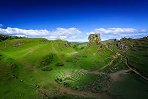 Sfondi desktop Scozia Cielo Nubi Falesia Colline Fairy Glen, Isle of Skye, Hebrides