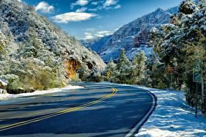 Fotos USA Gebirge Straße Felsen Bäume Schnee Arizona, Sedona