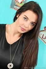 Hintergrundbilder Kay Only Starren Haar Brünette Mädchens