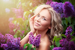 Wallpapers Lilac Blonde girl Glance Hands Girls pictures images