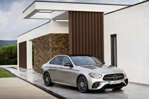 Fotos Mercedes-Benz Graues Metallisch 2020 E-Klasse AMG Line Worldwide Autos
