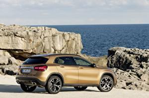 Fotos & Bilder Mercedes-Benz Felsen Seitlich Crossover GLA 220 d, 4MATIC, Worldwide, X156 Autos