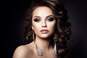 Wallpaper Model Beautiful Hairdo Makeup Glance Earrings