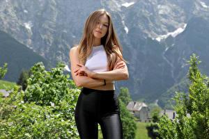 Bakgrunnsbilder Posere Hender Mørk blond Ser Stefani ung kvinne
