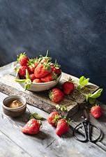 Hintergrundbilder Erdbeeren Bretter das Essen