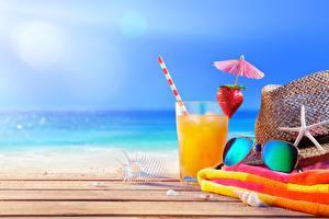 Wallpaper Drink Towel Sea Highball glass Eyeglasses Hat Resting Nature Food