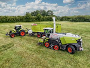 Fotos Felder Landwirtschaftlichen Maschinen Traktoren Claas Axion 810, Claas Jaguar 960 Terra Trac
