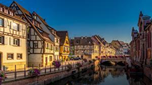 Обои Франция Здания Мосты Водный канал Набережная Colmar Города