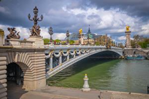 Fotos Frankreich Flusse Brücken Paris Wolke Straßenlaterne Pont Alexandre III, Seine River Städte