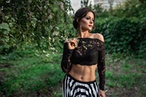 Fonds d'écran Georgiy Dyakov Model Posant Ventre Chemisier jeunes femmes