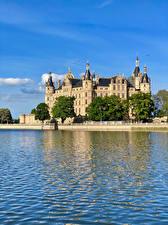 Fotos Deutschland Burg See Castle Schwerin Städte