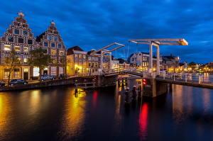 Hintergrundbilder Niederlande Gebäude Fluss Brücken Nacht Haarlem, Spaarne, Gravestenenbrug Städte