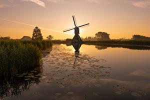 Bilder Niederlande Morgen Sonnenaufgänge und Sonnenuntergänge Kanal Windmühle Overslingeland, South Holland