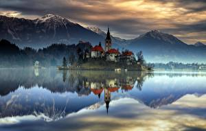 Pictures Slovenia Mountain Lake Island Castles Reflected Lake Bled, Upper Carniolan Nature