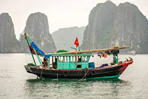 Images Vietnam Sea Boats Riverboat Cliff  Nature