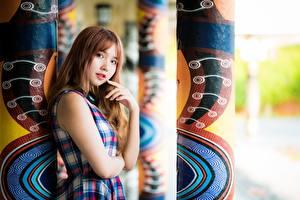 Fotos & Bilder Asiatische Braunhaarige Hand Blick Mädchens