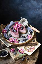 Fotos Torte Heidelbeeren Blütenblätter Lebensmittel