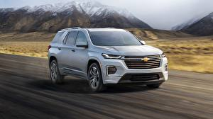 Pictures Chevrolet At speed Silver color Metallic CUV Traverse, 2021 automobile