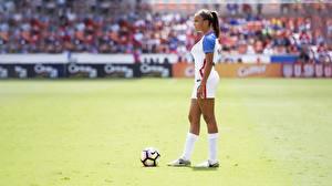 Bilder Fußball Ball sportliches Mädchens