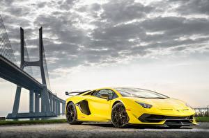 Fondos de escritorio Lamborghini Amarillo Aventador autos