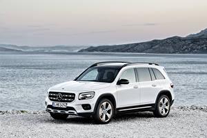 Картинки Мерседес бенц Белые Металлик 2019 GLB 250 Edition 1 Worldwide Автомобили