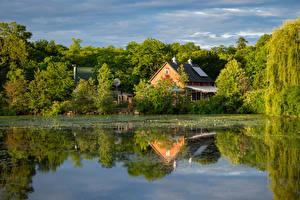 Bilder Teich Gebäude Spiegelt Bäume Natur