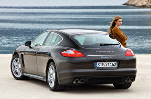 Wallpaper Porsche Back view Metallic Panamera S 970, 2020 Cars Girls