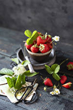 Picture Strawberry Boards Leaf Bowl Food