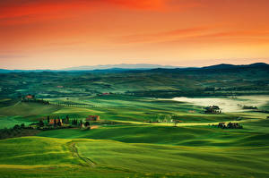Photo Sunrises and sunsets Tuscany Italy Meadow Hill Horizon Fog Nature