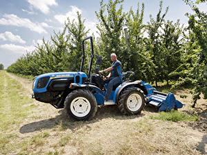 Fotos Landwirtschaftlichen Maschinen Mann 2018-20 New Holland TI4.100