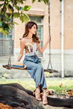 Hintergrundbilder Asiatisches Braune Haare Schaukel Sitzen Der Hut junge Frauen
