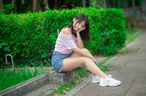 Picture Asian Sit Legs Shorts Blouse Trainers Glance Girls