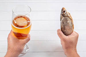 Images Beer Fish - Food Hands Stemware