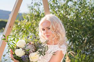 Images Bouquets Blonde girl Staring Beautiful Girls