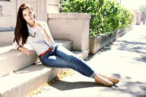 Images Brown haired Pose Hands Jeans Legs Emily Rudd young woman