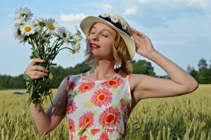 Images Fields Bouquets Camomiles Blonde girl Gown Hat Hands Victoria Borodinova Girls Flowers