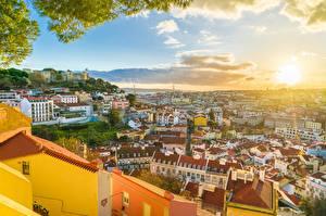 Tapety na pulpit Budynki Portugalia Lizbona Słońce Miasta