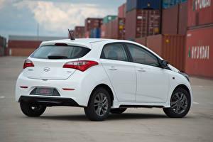 Photo Hyundai White Metallic HB20 Spicy 1.0, 2015
